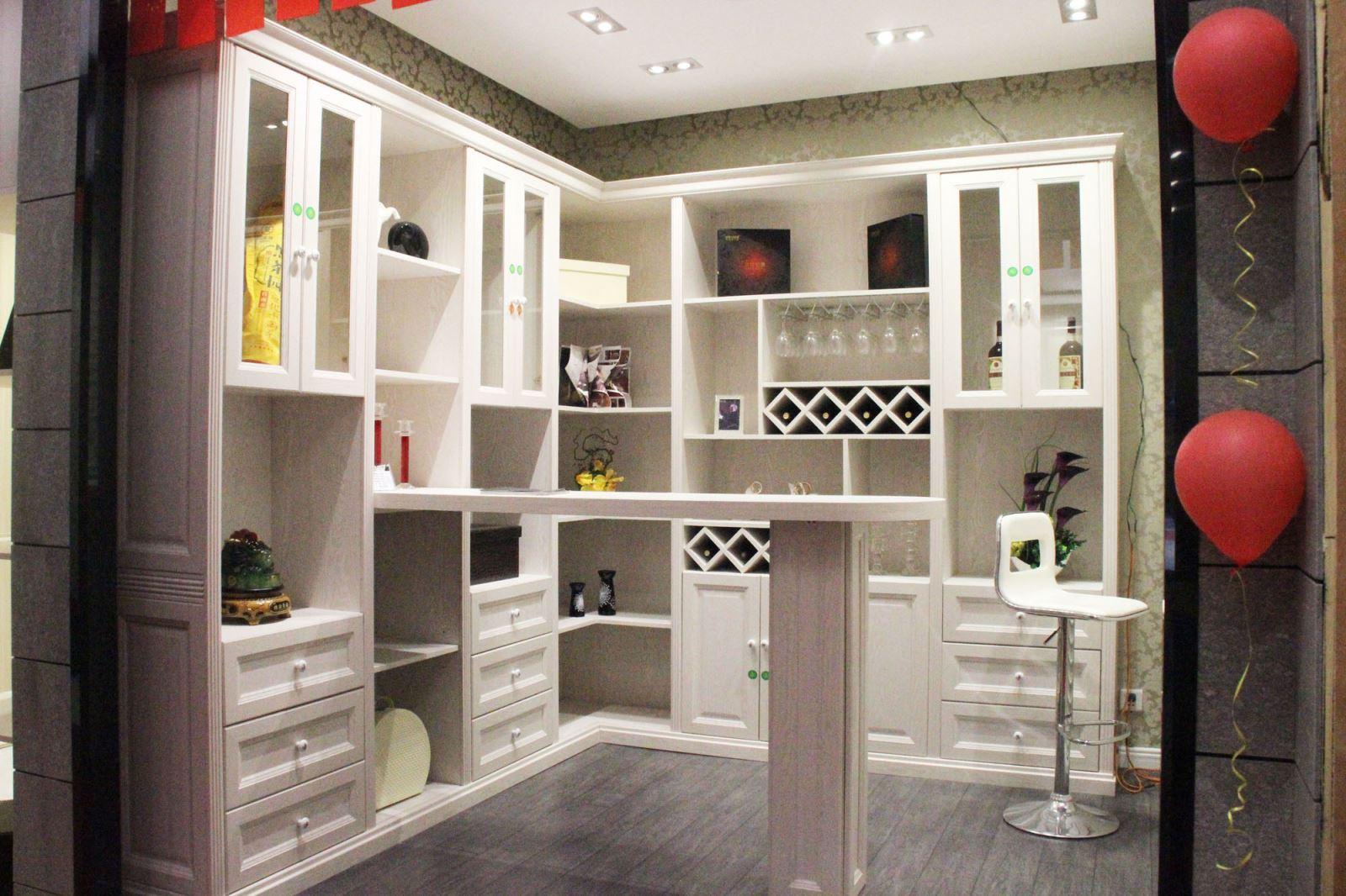 好莱客衣柜教大家怎么挑选物美价廉的衣柜